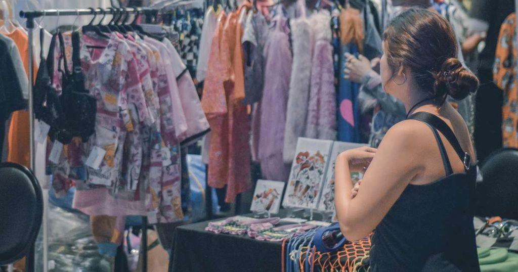 Where to buy second-hand clothes online in Australia | Beanstalk Mums